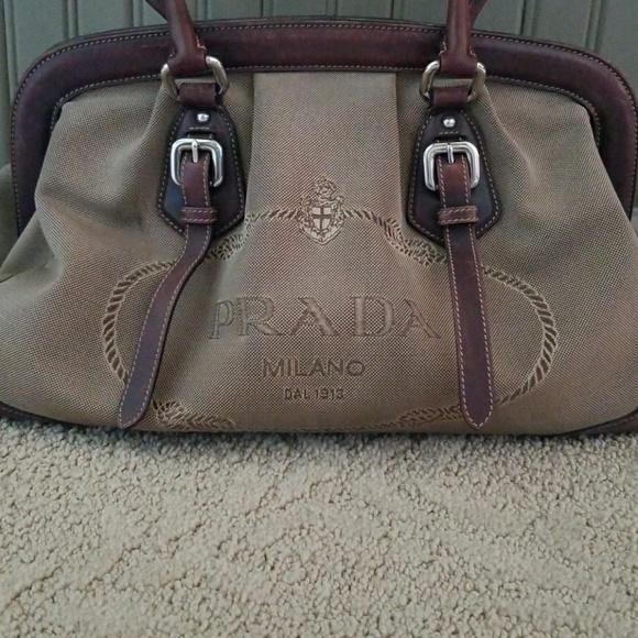 599b1b2c4101 Handbags - PRICE DROP • Prada purse